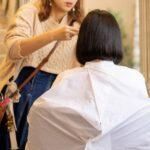 あなたの情報を他のお客様に話す美容師